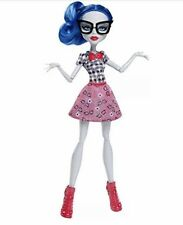 Monster High Scary Cute Ghoulish Yelps Geek Shriek New in Box