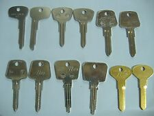 LOT OF 12 PIECE CLASSIC AUDI AND PORSCHE KEY BLANKS LOCKSMITH VINTAGE AUTO