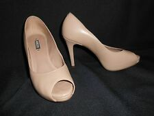 AREZZO SOFT LEATHER OPEN TOE HEELS SIZE 6