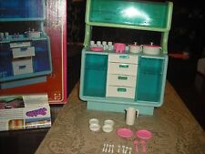BARBIE DREAM FURNITURE COLLECTION DINING BUFFET/CHINA CABINET1978 IN BOX