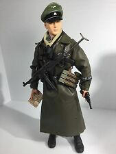 1/6 DRAGON GERMAN 1ST SS DIV MAJOR + MP-40 & LUGER MAP OVER COAT WW2 BBI DID