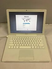 Apple Macbook 13 A1181 2.0GHz 1GB RAM 120GB HDD White OSX 10.4 MA700LL/A Z00230