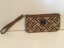 NWOT Two Tone Signature Brown Canvas Tignanello Wristlet Clutch Wallet