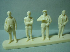 4   FIGURINES  SET 60   SPECTATEURS   VROOM  1/43  A  PEINDRE
