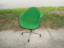Herman Miller Vintage Original Eames Fiberglass Shell Arm Chair #4