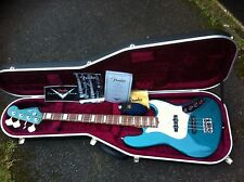 FENDER CUSTOM SHOP USA CUSTOM CLASSIC JAZZ BASS GUITAR RARE COLOUR