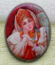 BEAUTIFUL RUSSIAN MOTHER OF PEARL BROOCH FEDOSKINO HAND MADE PAINTED #1604136