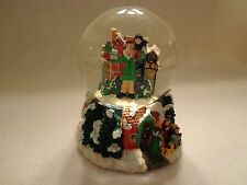"""COLLECTIBLE CHRISTMAS SNOWDOME THAT PLAYS """"HARK THE HEARLD ANGELS SING""""- NEW"""