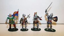 VALIANT X 4 TOY SOLDIERS KNIGHTS FOOT LOOSE  (BS669)