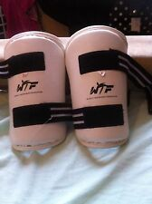 Avambraccio WTF Taekwondo Pads taglia media usato