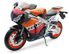 """1:6 Honda Cbr1000rr (repsol) Street Bike By New Ray"""