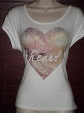 NWT bebe HEARTBREAKER SCOOP NECK TEE SIZE L Wear your heart.Show how much U care