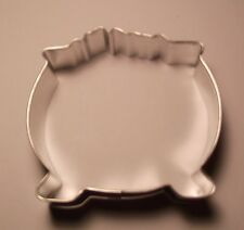 "3.5"" Pot o' Gold/Witches Cauldron Cookie Cutter"
