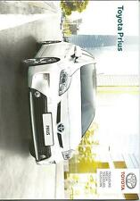 NEW PARIS Catalogue brochure Katalog Prospekt TOYOTA PRIUS ANNEE 2014 26 Pages
