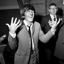 GEORGE HARRISON UNSIGNED PHOTO - 5492 - THE BEATLES