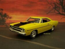1970 70 PLYMOUTH ROAD RUNNER MOPAR COLLECTIBLE MODEL - 1/64 SCALE DIORAMA