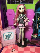 Monstruo ALTO MUÑECA ROCHELLE GOYLE-Ghouls Night Out-Excelente Estado