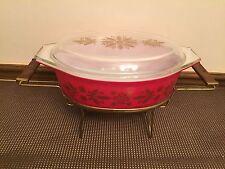 """Pyrex """"GOLDEN POINSETTIA"""" Casserole Dish w/Lid~ 045 w/Cradle ~ 2 1/2 Quart"""