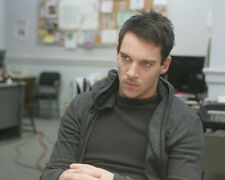 Jonathan Rhys-Meyers UNSIGNED photo - D1923 - The Tribe, Alexander & Roots