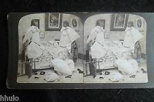 STA953 Scène de genre Bataille d'oreillers enfants Photo 1900 STEREO stereoview