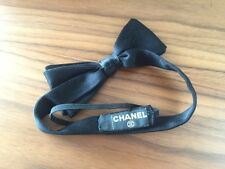 AUTH TIMELESS & CLASSIC CHANEL BLACK SILK SATIN BOW HEADBAND IN BOX