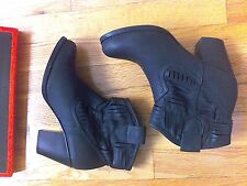 bucco CAPENSIS, 'bluebelle', black booties, size 7.5