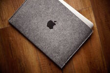"New MacBook Pro 13"" Touch Bar - Sleeve Case - SIMPLE with print Black Apple"