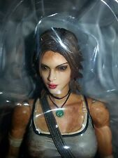 *LARA CROFT* TOMB RAIDER PLAY TOYS KAI FIGURE *MINT IN PACKAGING*