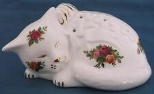 ROYAL ALBERT OLD COUNTRY ROSES CHINA CAT POMANDER 1962 BACKSTAMP 1st QUALITY