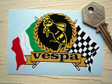 Vespa Wasp Garland y cruzado Italiana & accidentada Banderas pegatina Casco Scooter
