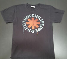 Red Hot Chili Peppers classic logo spray paint  Men's size S tshirt