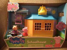 FISHER PRICE PEPPA PIG SCHOOL HOUSE PLAYSET W/ PEPPA & MADAME GAZELLE X4264 *NU*