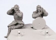 Tahk Tank 1:35 Soviet Tank Crew KV-2 Winter 39-44 #2 2 Resin Figures Kit #T35097