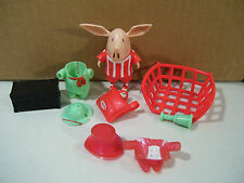 OLIVIA PIG PLAYSET FIGURE WITH CLOTHES, SOCCER OUTFIT, BACKPACK SPIN MASTER