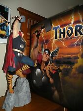 MARVEL-Sideshow Collectibles-THOR Premium Format Statue (Marvel Sample)