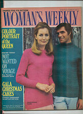 WOMAN'S WEEKLY 25 NOV 1972  KNITTING PATTERNS SWEATER - CAKES - QUEEN - STOLE -