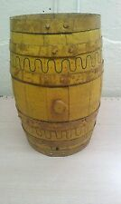 antique primitif wood barrel