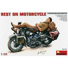 NEW MiniArt 1/35 Soldier Resting On Motorcycle 35176