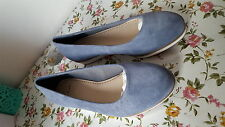 ladies flat shoes from clarks size 3E