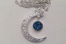 Crescent Moon & Luccicante Rotonda Blu DRUZY 12mm COLLANA-ORGANZA BAG