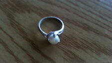 Beautiful White Pearl Solid Band Ring Sterling Silver *Size 5 *A475