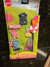 Lot Of BARBIE KELLY DOLL SWEETSVILLE CLOTHING BRAND   5 OUTFITS 3 PAIR SHOES