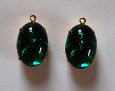 VINTAGE 2 EMERALD  GREEN STAR GLASS OVAL PENDANT BEADS • 16x11mm