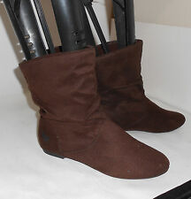 new Brown comfortable round toe ankle boot Size 6  p
