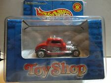 Hot Wheels Toy Shop  Red '32 Ford w/Real Riders