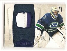 Roberto Luongo 2010-11 Panini Dominion Jersey Number Patch 9/25