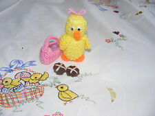 NEW HAND KNITTED EASTER CHICK PICNIC BAG & 2 HOT CROSS BUNS