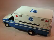 Diecast Ford E-350XL Type III #87 Paramedic Unit 1:43 by Metallic Metal
