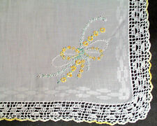 1930's HANDKERCHIEF WITH EMBROIDERED FLORALS CROCHET EDGE