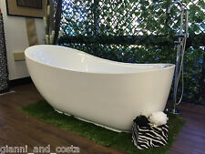 Bathroom Acrylic Free Standing 18 Jet Spa Bath Tub 1800 x 890 x 760 FREESTANDING